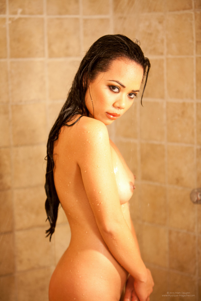 Luana_PPV_shower_038